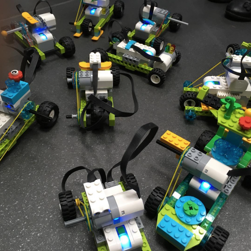 Collection of WeDo 2.0 robots